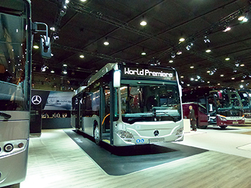 The world premiere of the gas-fueled Mercedes-Benz Citaro.